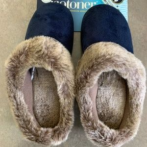 Isotoner Memory Foam Women's Slippers